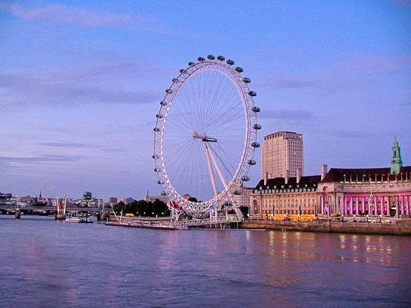 Fotografia del fiume Tamigi, London Eye e County Hall