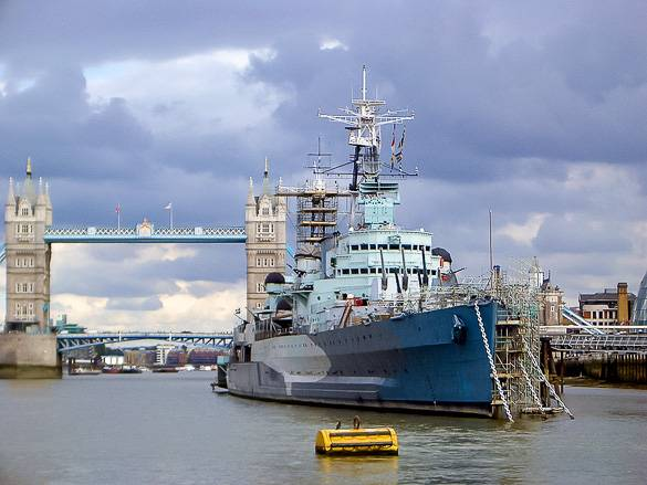 Foto della HMS Belfast a Londra