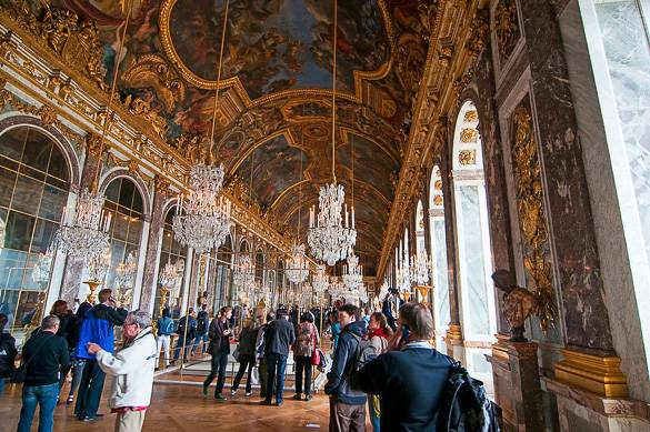 Foto della Galleria degli Specchi nella reggia di Versailles