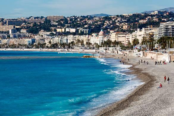 Immagine della spiaggia sulla Promenade des Anglais a Nizza