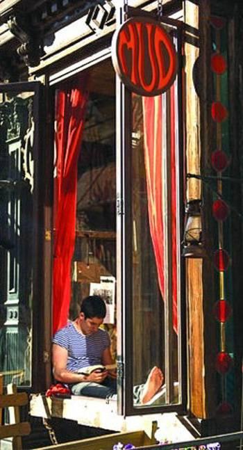 Immagine della caffetteria MUD nell'East Village