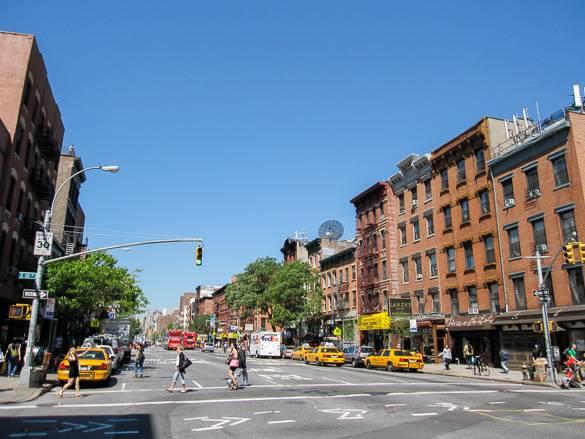 Immagine di una strada dell'East Village a Manhattan