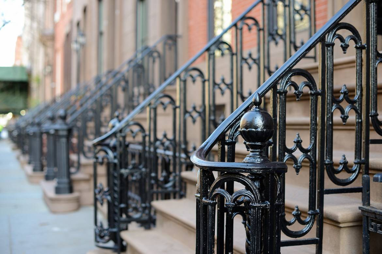 Foto delle scale del brownstone