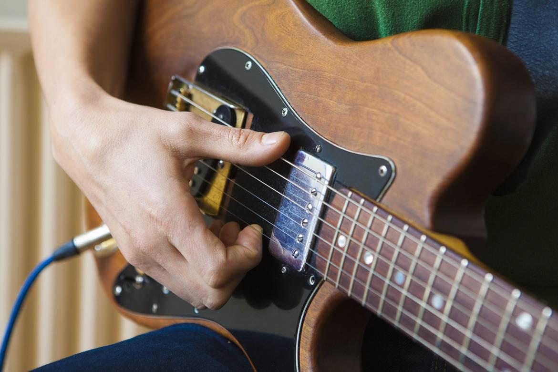 Foto di un chitarrista.