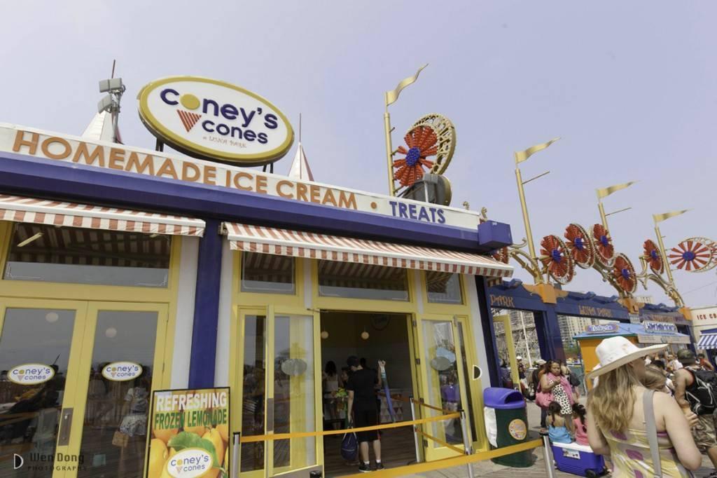 Imagine di uno stand di ice cream nella storica Coney Island