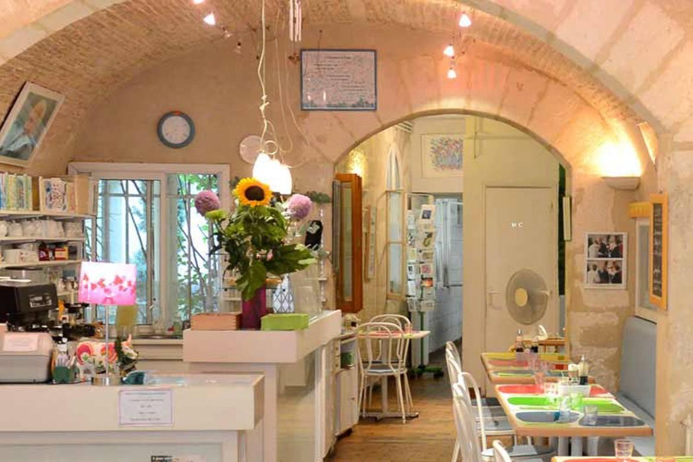 Immagine dell'interno di un ristorante.