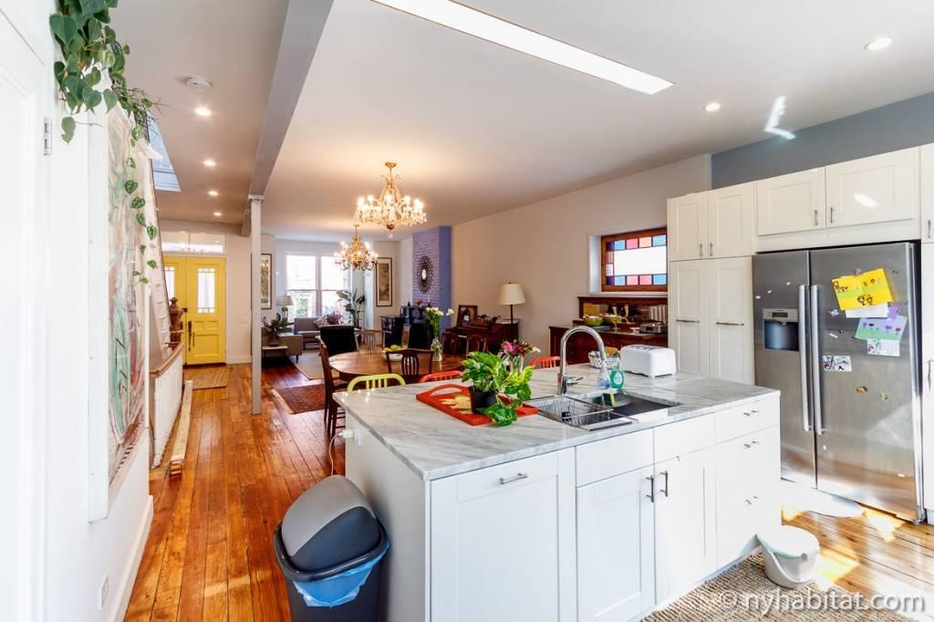 Immagine della cucina dell'appartamento NY-16202