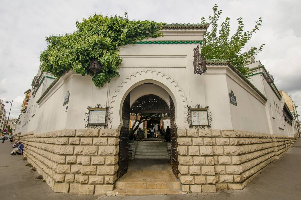 Immagine dell'entrata alla Grande Moschea di Parigi