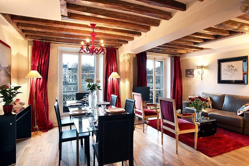 Immagine della zona pranzo nel salotto