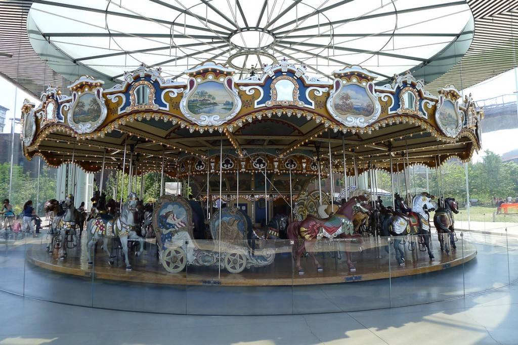 Immagine della Jane's Carousel