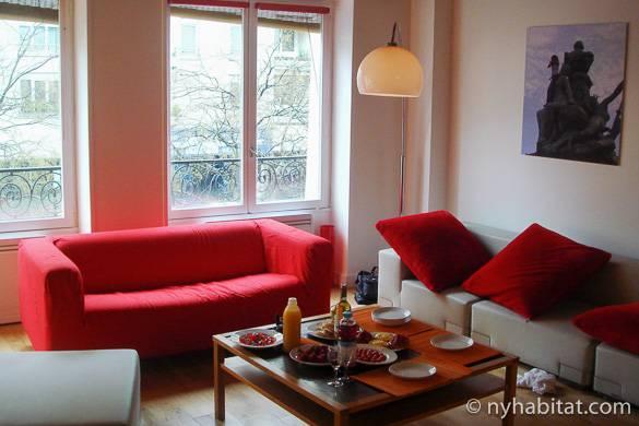 Immagine del soggiorno dell'appartamento con due camere da letto PA-2905