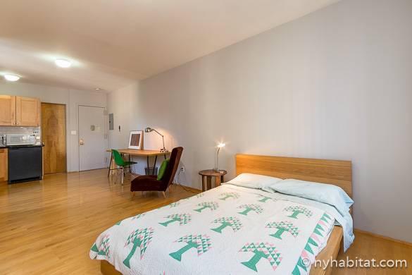 Immagine di un letto nel monolocale NY-7890 nel Lower-East-Side.
