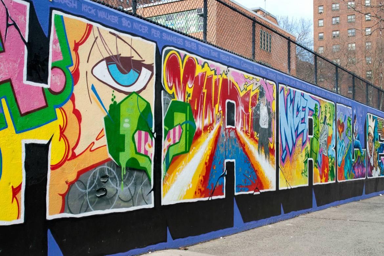 Immagine dell'arte dei graffiti lungo le strade di Harlem