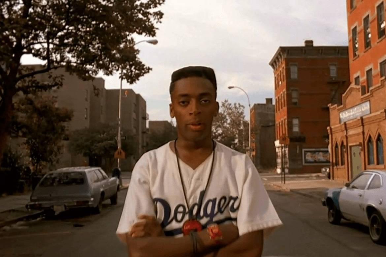 Fermo immagine di Spike Lee a Bedford-Stuyvesant nel film del 1989 Fa' la cosa giusta.