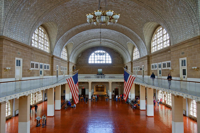 Immagine della sala principale a Ellis Island.