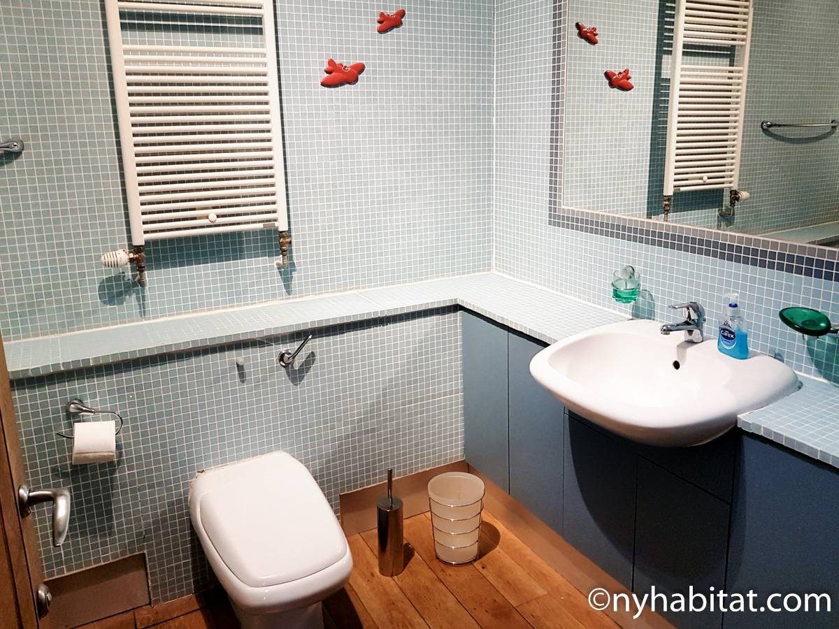 Bathroom 2 - Photo 2 of 2