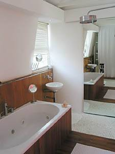 Bathroom 2 - Photo 2 of 4