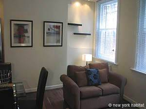 Living room - Photo 1 of 2
