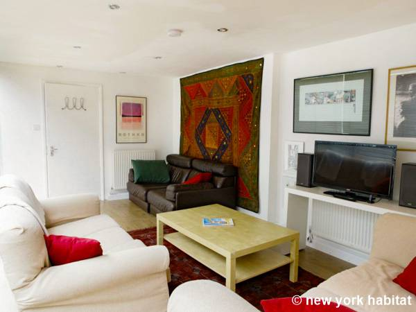 Living room 1 - Photo 1 of 3