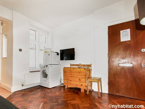 Living room - Photo 6 of 6