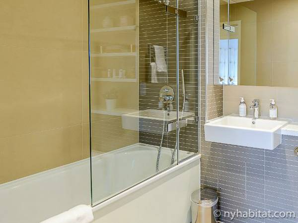 Bagno 1 - Photo 1 di 2