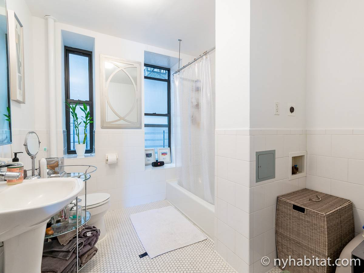 Bathroom 2 - Photo 1 of 2
