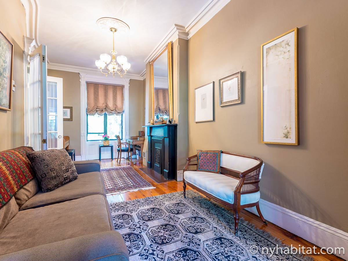 Living room 1 - Photo 11 of 12