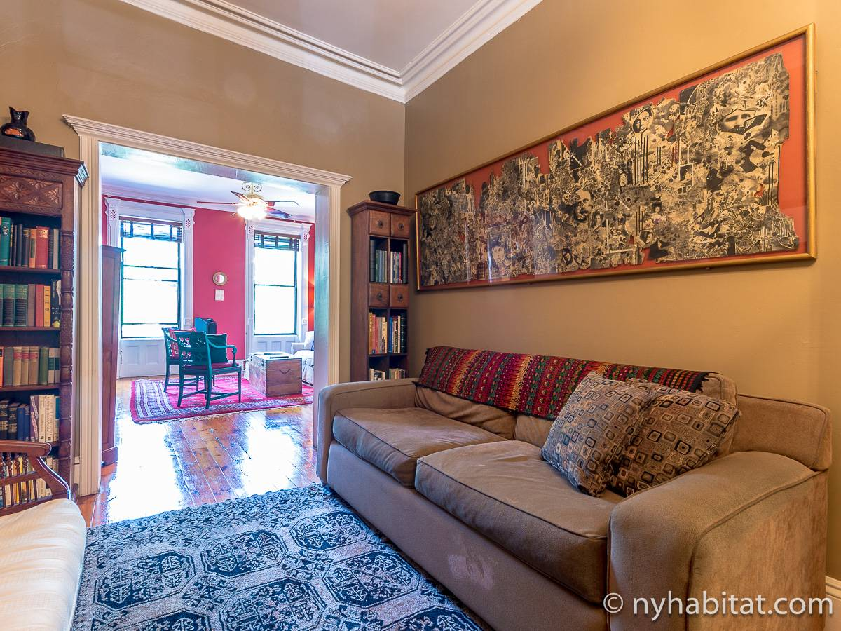 Living room 1 - Photo 8 of 12