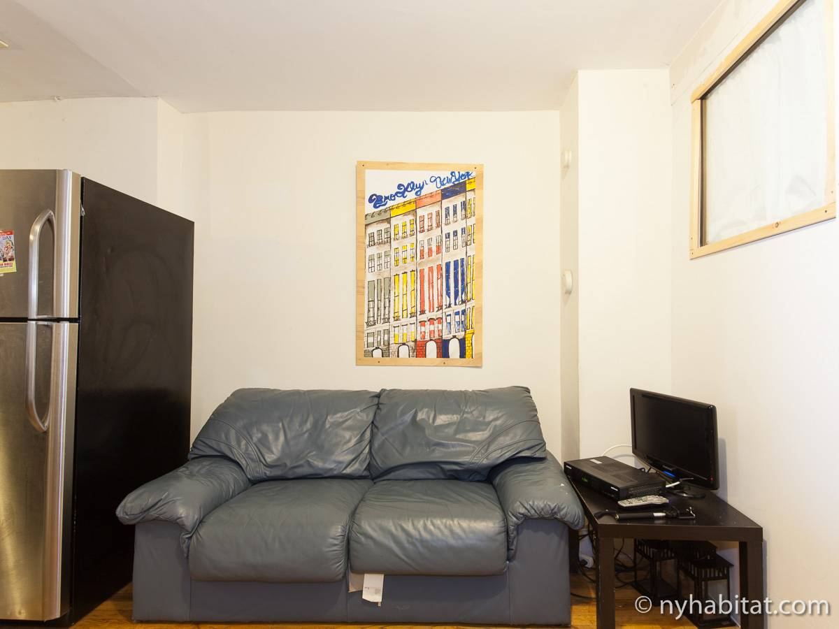 Living room - Photo 1 of 5