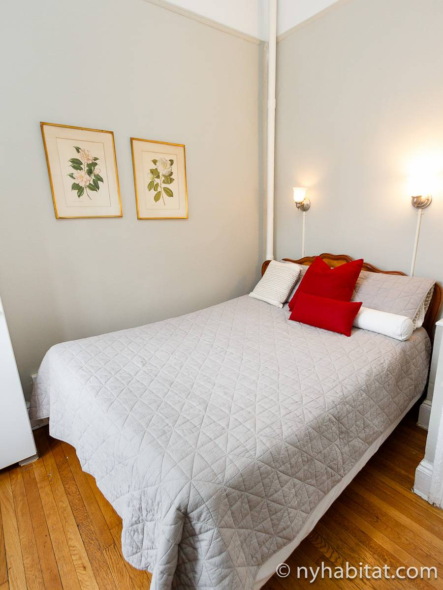 One Bedroom Nyc Apartment With A New Born Baby: New York Apartment: 1 Bedroom Apartment Rental In
