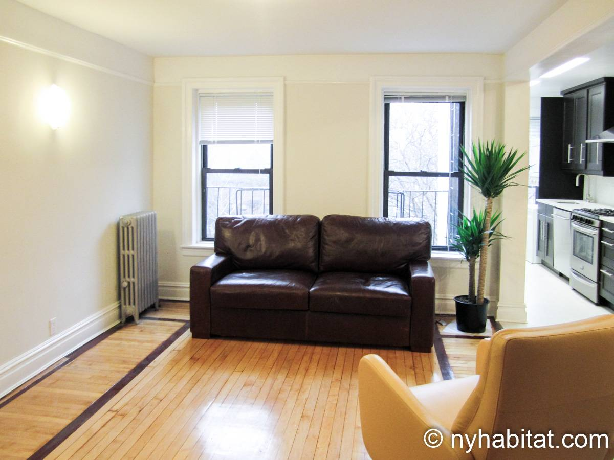 Living room - Photo 1 of 4