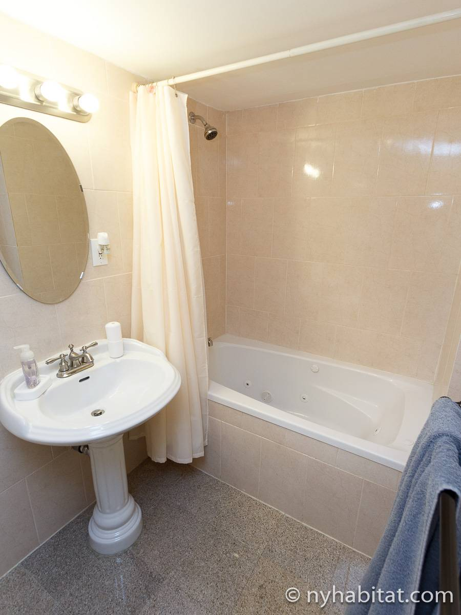 Bathroom 1 - Photo 3 of 3
