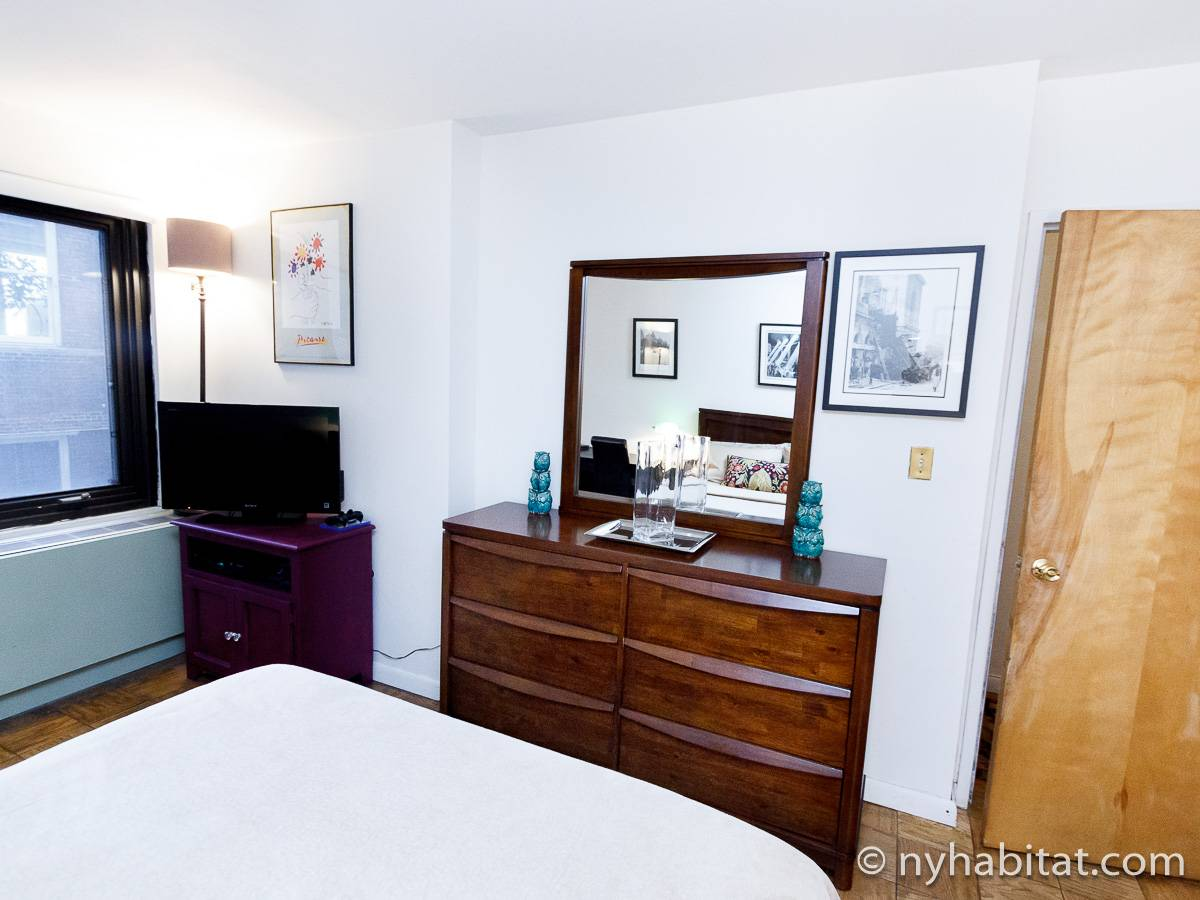 Bedroom - Photo 3 of 5