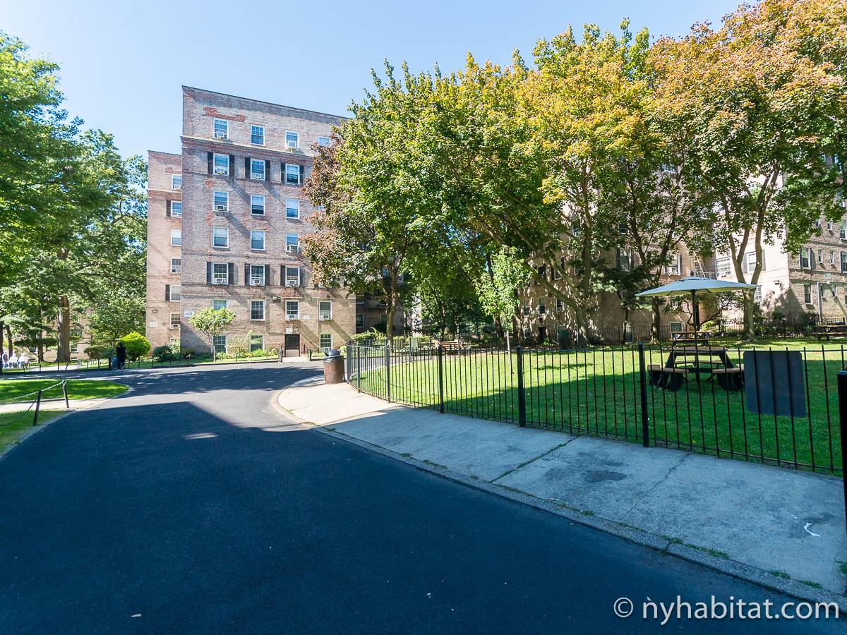 New York Roommate Room For Rent In Woodside Queens 1 Bedroom Apartment Ny 16983