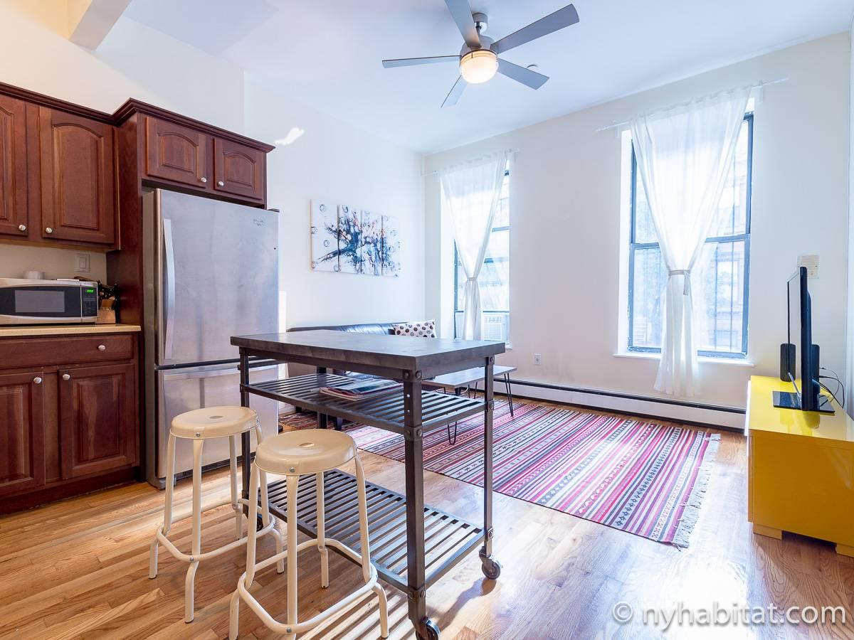 wohnungsvermietung in new york 3 zimmer harlem ny 17008. Black Bedroom Furniture Sets. Home Design Ideas