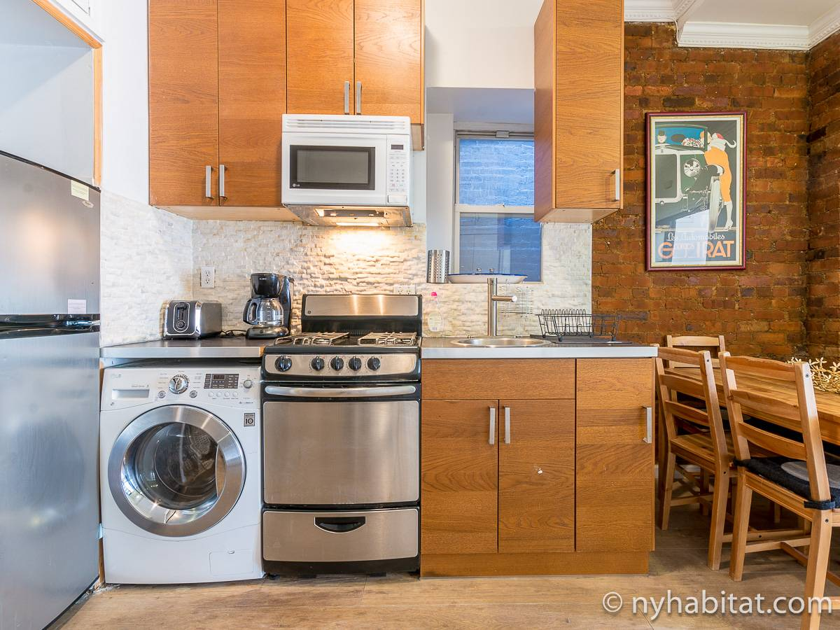 Kitchen - Photo 4 of 4