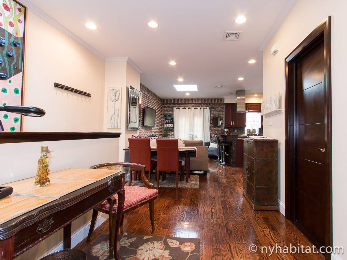 New York Apartment: 2 Bedroom Apartment Rental in Long ...