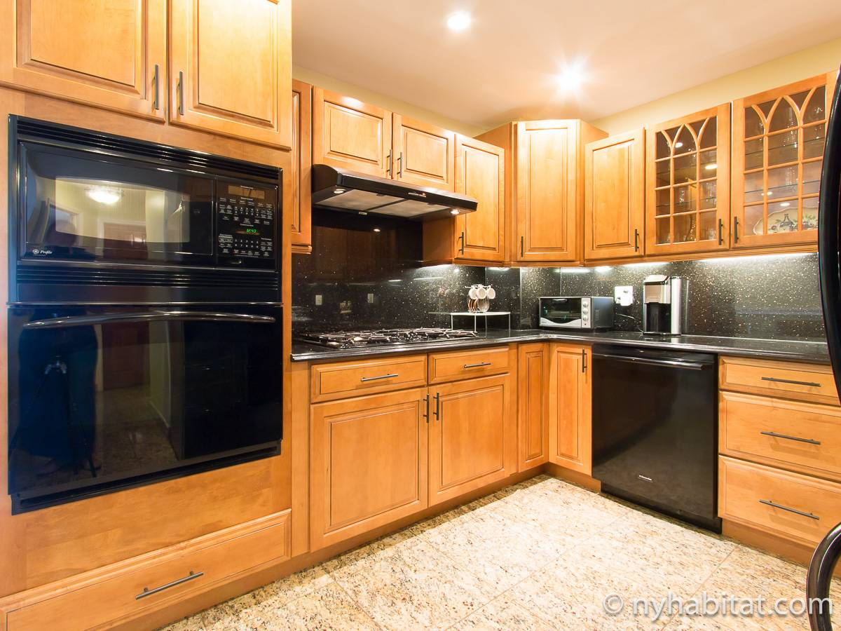 New York Apartment: 3 Bedroom Apartment Rental in Jackson ...