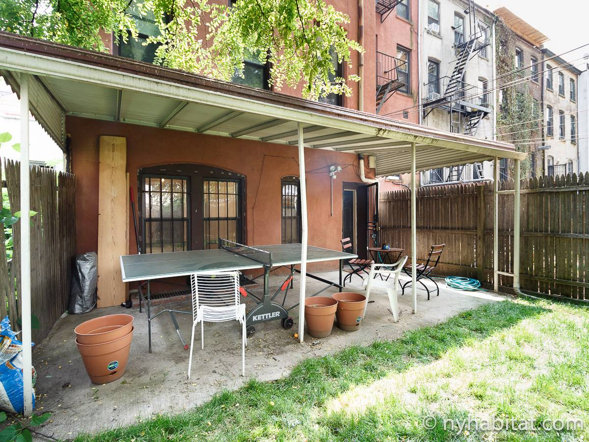 wohnungsvermietung in new york 4 zimmer bedford stuyvesant ny 17576. Black Bedroom Furniture Sets. Home Design Ideas