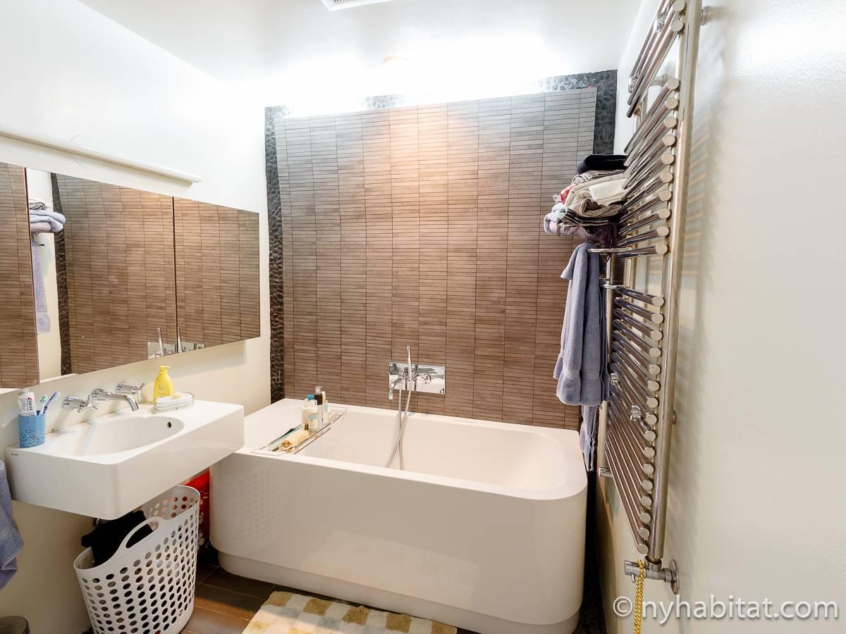 Uni Globe Salle De Bain ~ new york apartment 1 bedroom loft apartment rental in noho