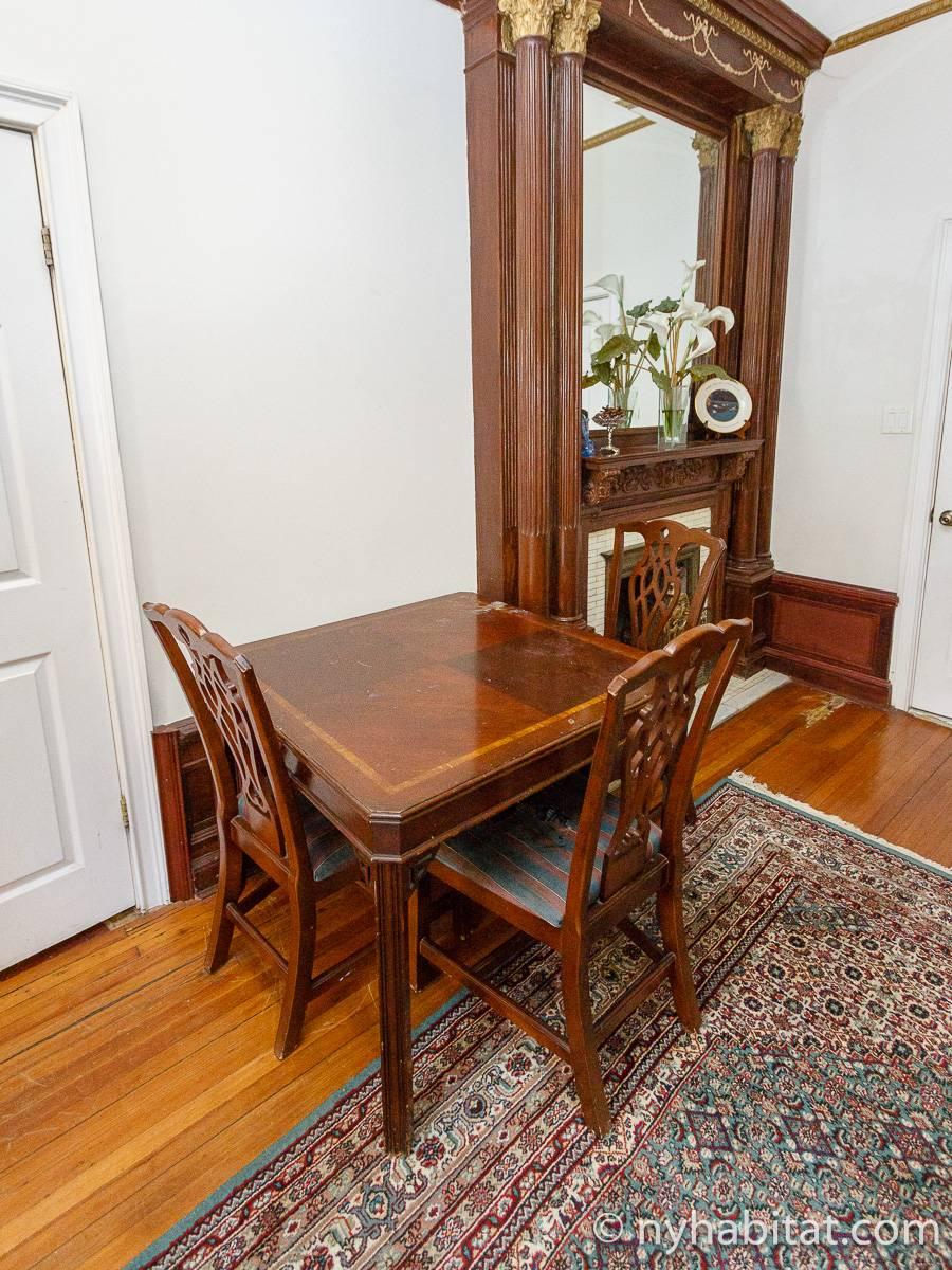 wohnungsvermietung in new york studiowohnung clinton hill ny 9004. Black Bedroom Furniture Sets. Home Design Ideas