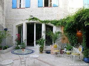 South of France Avignon, Provence - 2 Bedroom accommodation bed breakfast - Apartment reference PR-136