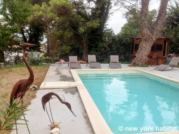 South of France Eguilles, Provence - 3 Bedroom accommodation bed breakfast - Apartment reference PR-425