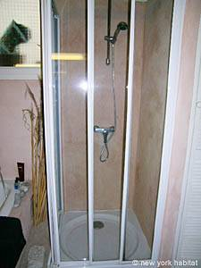 Bathroom - Photo 6 of 7