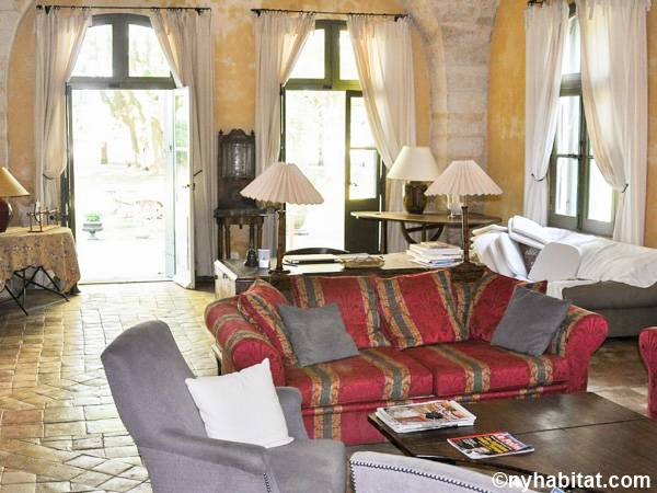 South of France Uzès, Provence - 6 Bedroom accommodation - Apartment reference PR-1007
