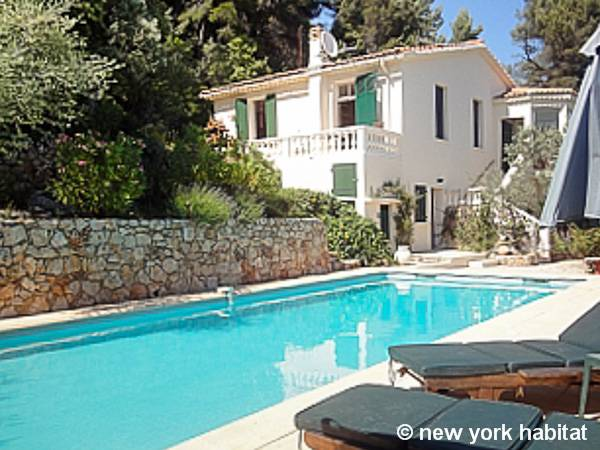 South of France Bargemon, French Riviera - 4 Bedroom accommodation - Apartment reference PR-1149