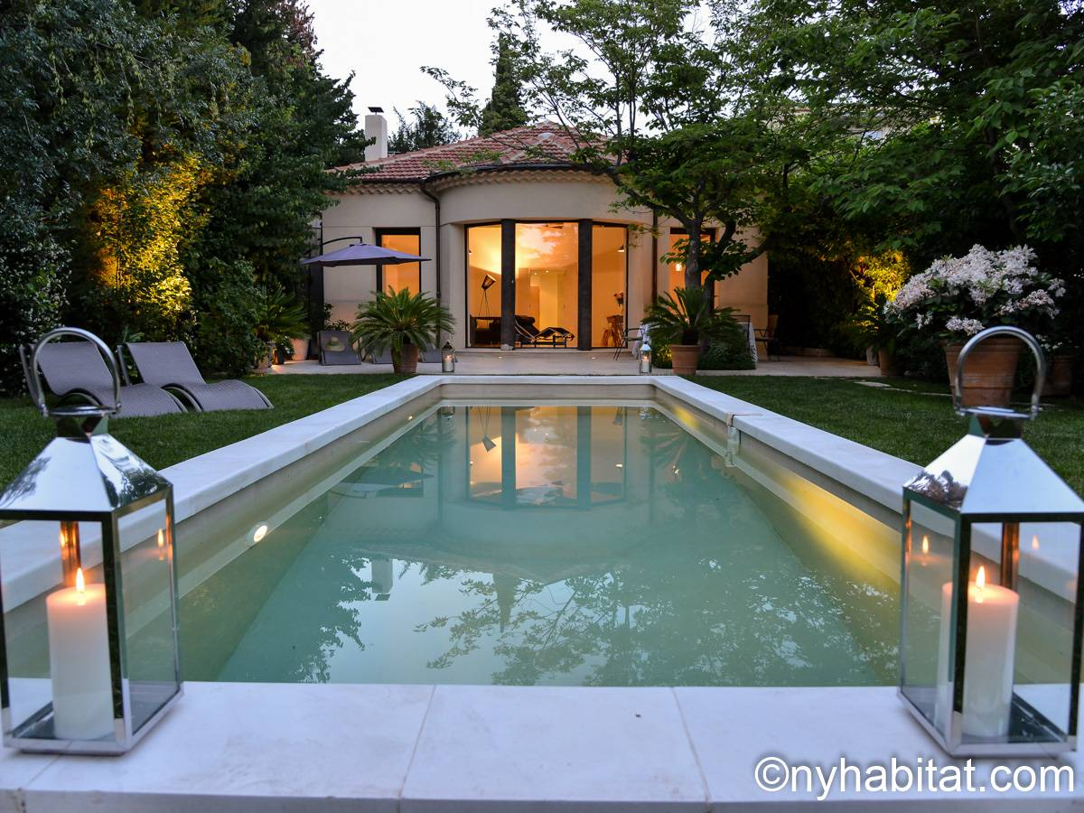 South of France Aix en Provence, Provence - 4 Bedroom accommodation - Apartment reference PR-1165