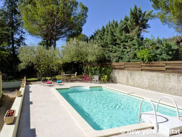 South of France Châteauneuf-de-Gadagne, Provence - 3 Bedroom accommodation - Apartment reference PR-1171