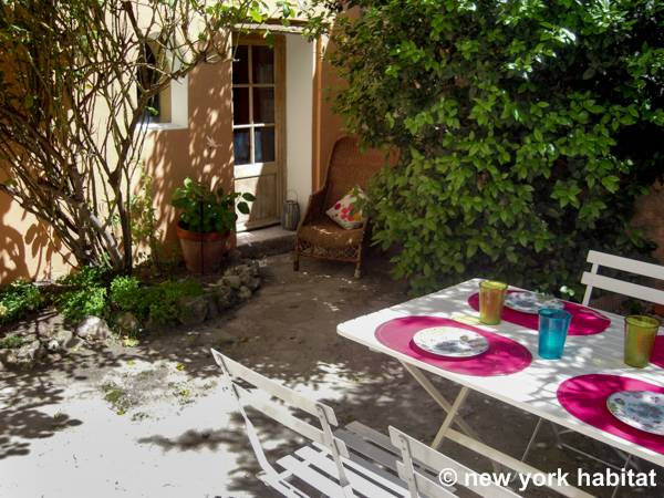 South of France Puyloubier, Provence - 2 Bedroom apartment - Apartment reference PR-1178