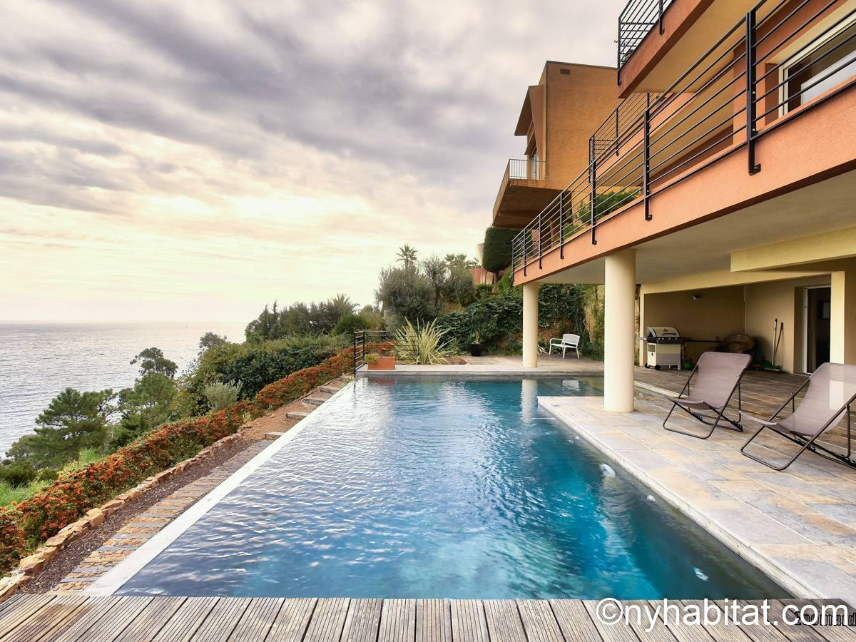 South of France Theoule sur Mer, French Riviera - 4 Bedroom apartment - Apartment reference PR-1248
